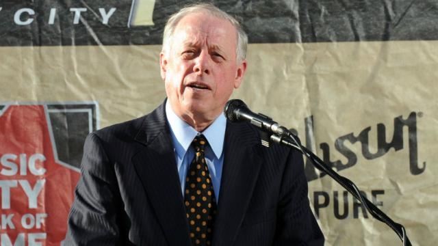 NEW POLL: Dem leads by 5 points in Tennessee Senate race https://t.co/7ZtOIEHZy1 https://t.co/MZdN0Nem9Q