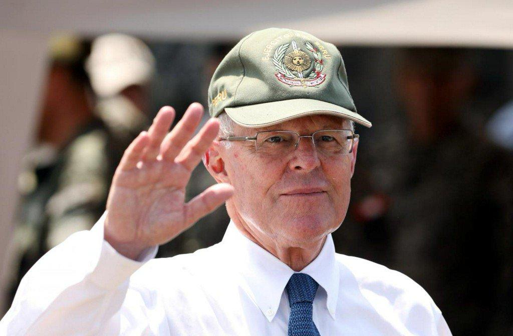 Fresh scandal isolates Peruvian president on eve of impeachment vote https://t.co/zENe0l5BjP https://t.co/9fhicd4g9O