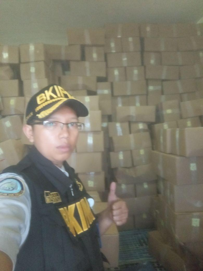 Pemeriksaan dilakukan oleh petugas BKIPM Gorontalo @Reyzar86 #OneHealthKIPM https://t.co/zCAu0rdk2l