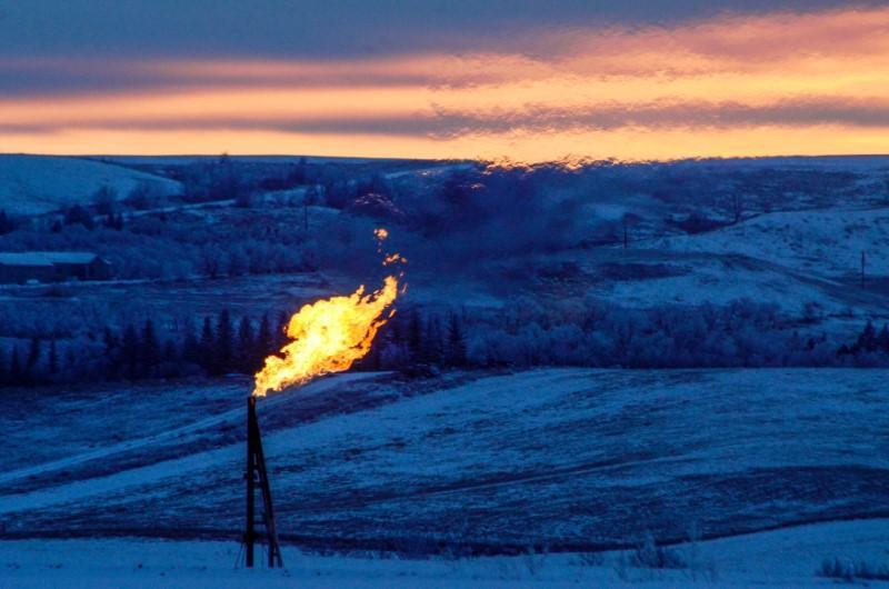 Oil retreats after hitting six-week highs near $70 a barrel https://t.co/ZdTXri0KIx https://t.co/bxBIm0TYlg