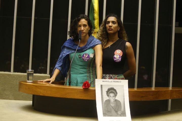 @BroadcastImagem: Companheira e irmã de Marielle Franco (PSOL-RJ) participam de sessão solene na Câmara. André Dusek/Estadão