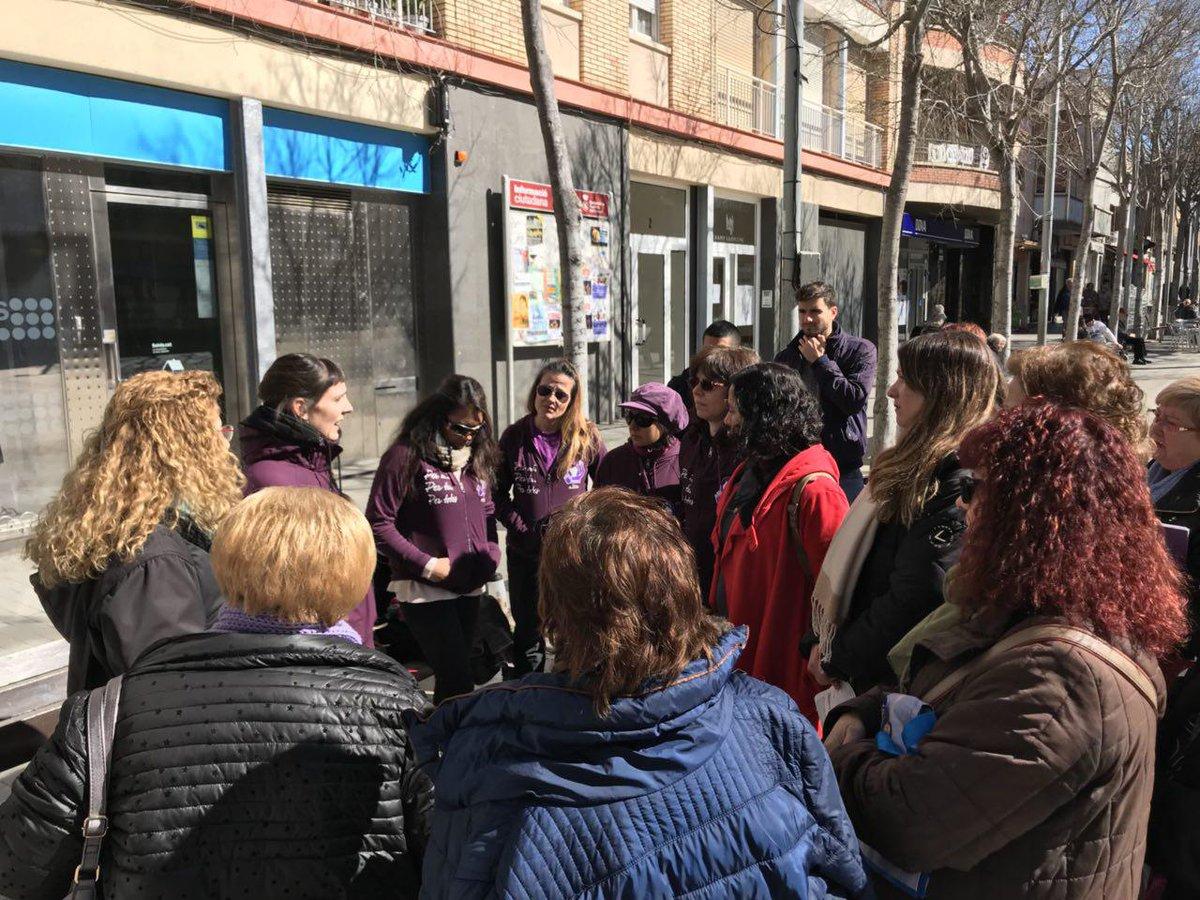 provar Twitter Mitjans - Les treballadores del SIE Baix Llobregat fan vaga dues hores a la setmana per exigir a @abd_ong millores per garantir la qualitat del servei que donen a les víctimes. Sense cap resposta. El @govern no s'ha presentat a les dues reunions de mediació. @Sindi_TeCla #8MVagaFeminista https://t.co/wsqsEOD19E