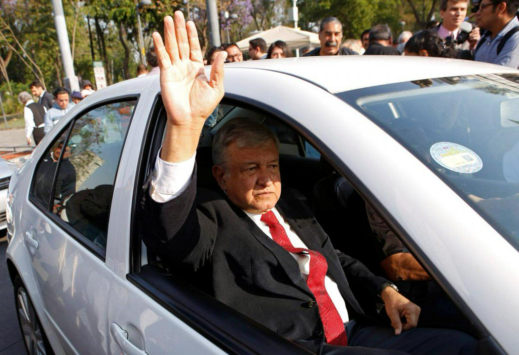Mexico leftist Lopez Obrador extends lead in presidency race-poll https://t.co/7fTxzgHmSB https://t.co/y0nIMsCfIQ