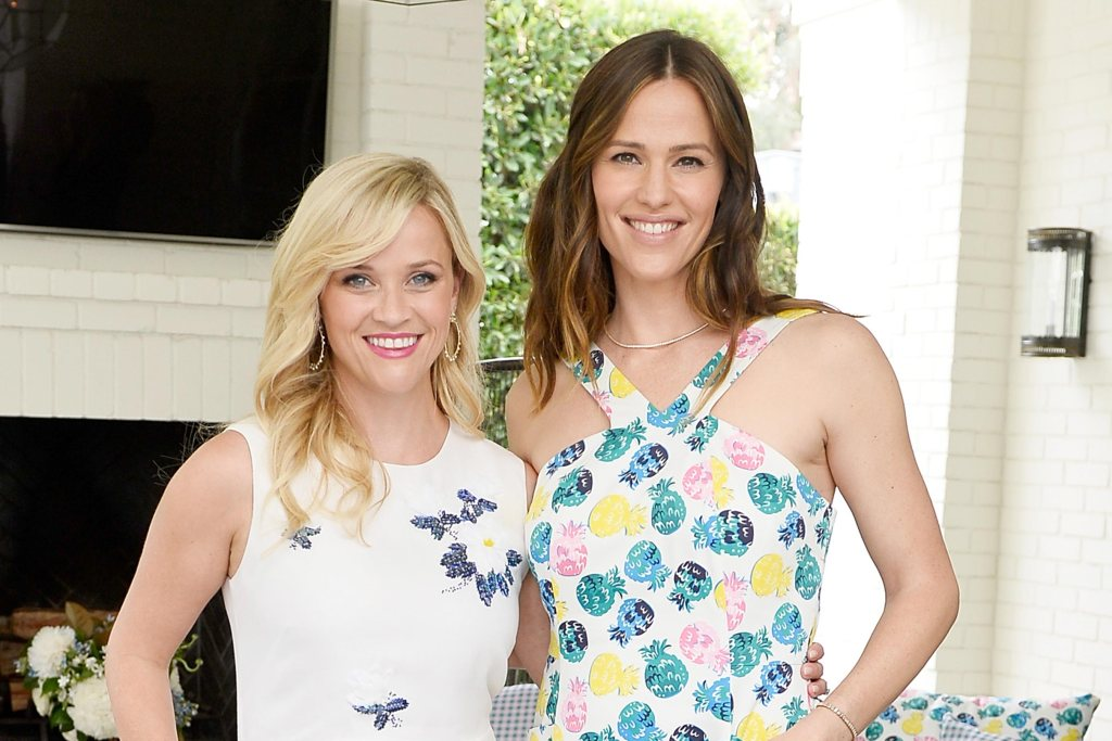 Jennifer Garner channels her inner band geek to wish Reese Witherspoon a happy birthday