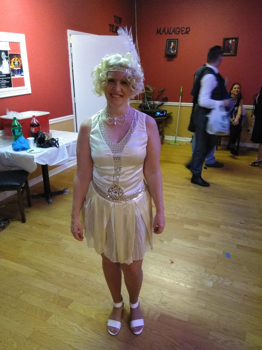 I went to a 20s ballroom costume party. What do you think bqFMeX94IC