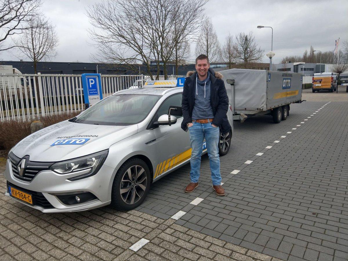 """test Twitter Media - Vandaag een geslaagd """"uitstapje"""" naar Den Bosch. Martijn Ooms van harte gefeliciteerd met het in 1x behalen van je aanhangwagen rijbewijs! https://t.co/KyY4ChqfJM"""