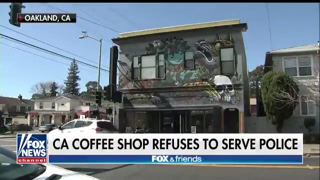 California coffee shop refuses to serve police. https://t.co/wFAvdk0rdA https://t.co/oQ1h4NYvTP