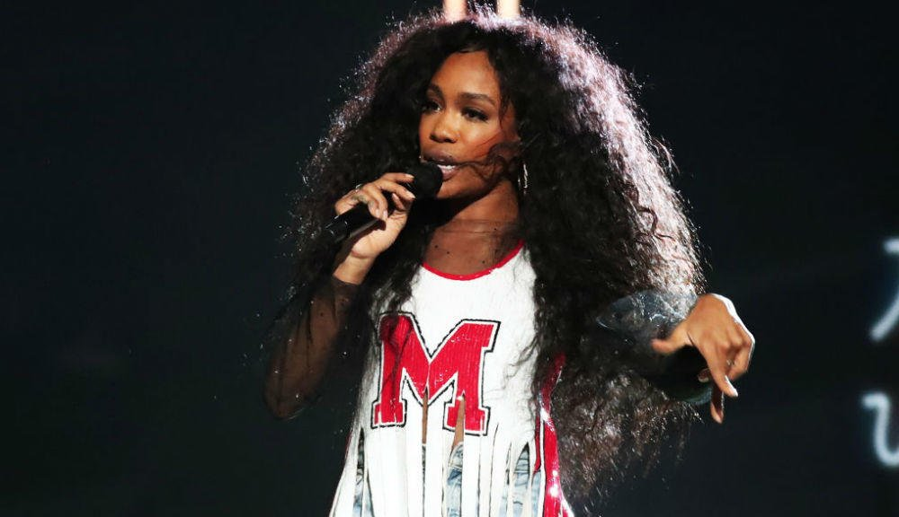 SZA has announced a deluxe edition of 'Ctrl' https://t.co/F2zjVc53Iv https://t.co/QwALcYNbfD