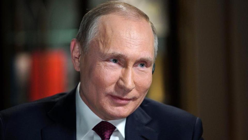 Putin says he will 'never' give Crimea back to Ukraine