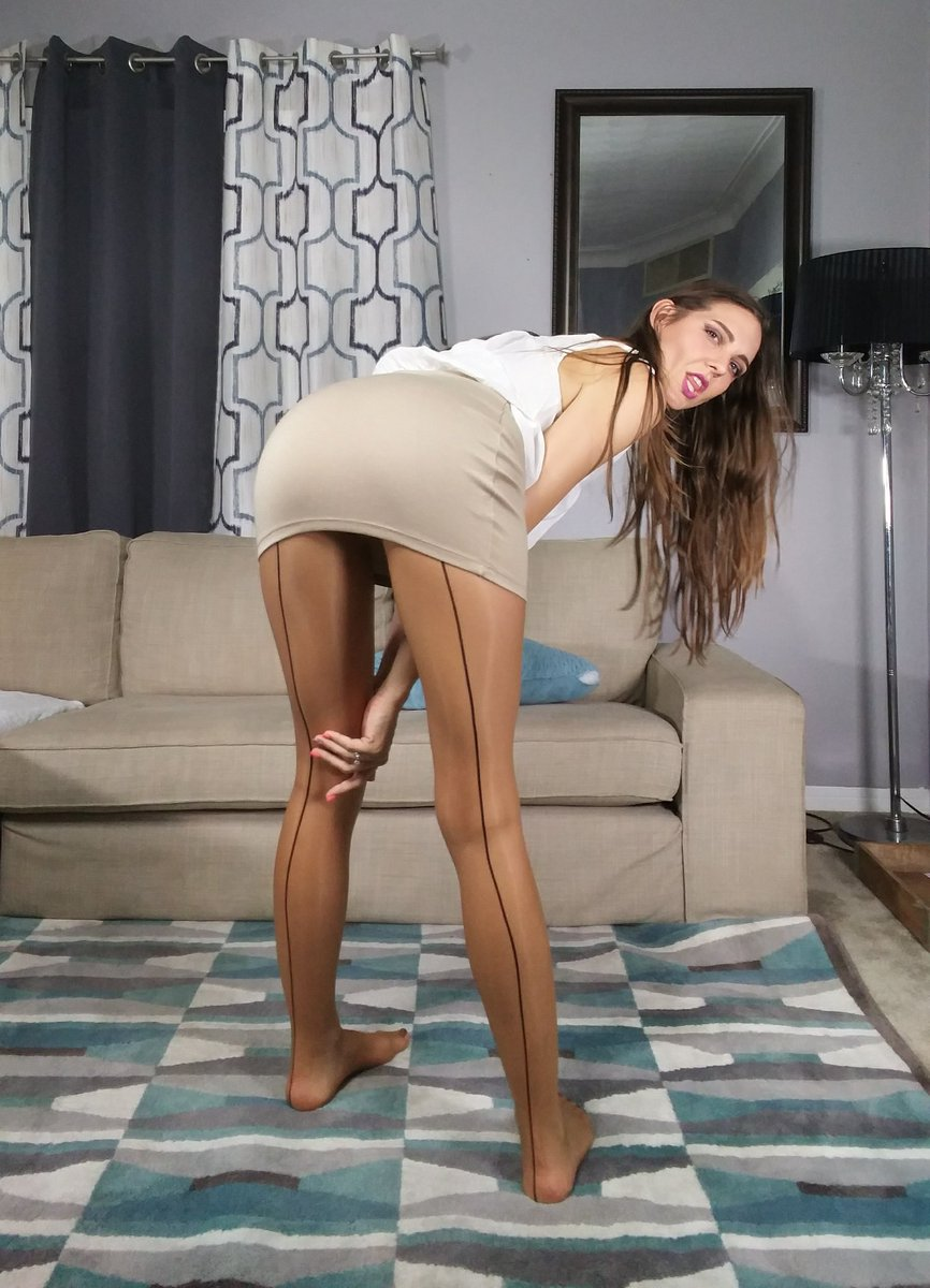 2 pic. RT if you love my #pantyhose #feet #LongHair & long #legs XBkSeoqRhs