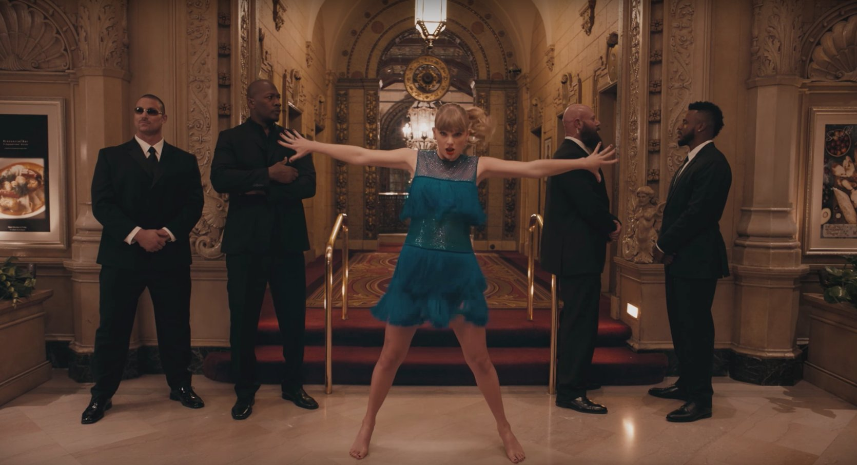 Watch Taylor Swift dance in hotels, ballrooms and subways in the new video for 'Delicate.' https://t.co/RUwMSh3ye5 https://t.co/ekPy9bnrIw