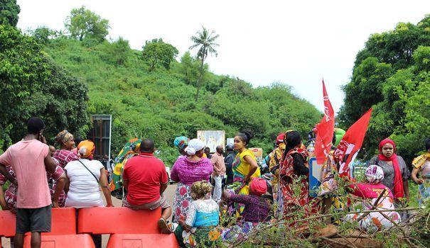 La ministre des Outre-mer à Mayotte pour trouver une issue à la crise