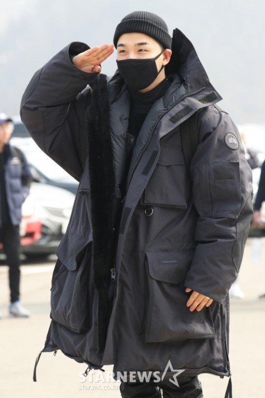 �� Have a safe time in the military Taeyang~! Stay healthy & we'll see you again soon!  �� https://t.co/HjX2nvcwJb