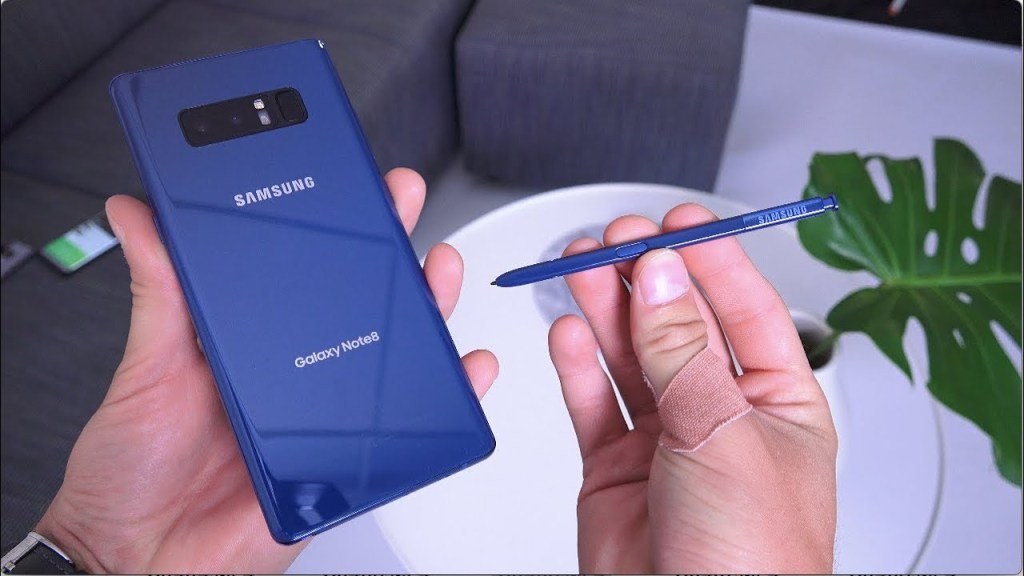 Samsung Galaxy Note 8 S-Pen CloseLook! https://t.co/YZv0N9NnE0...