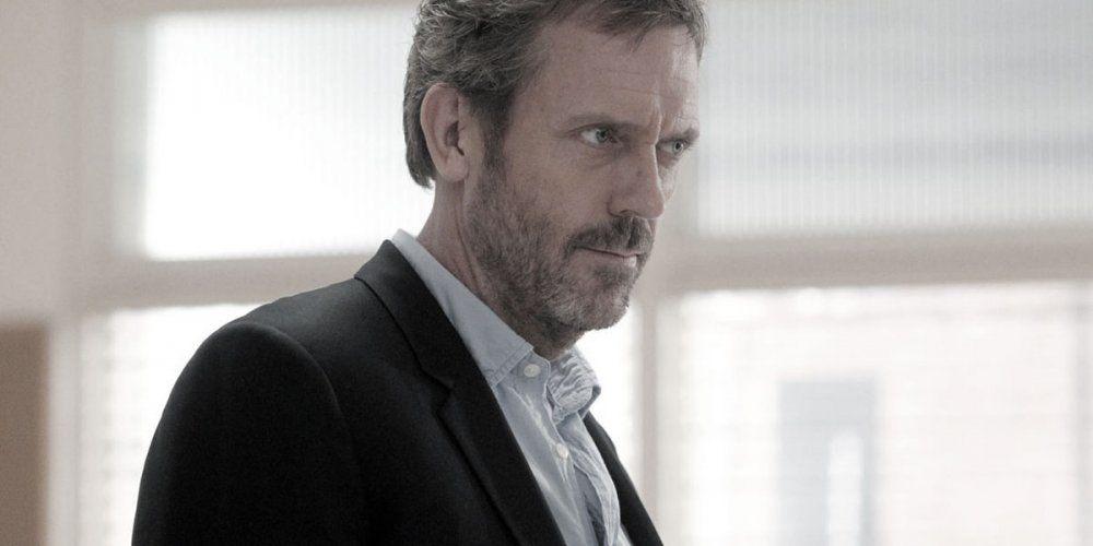 """Hugh Laurie pourrait jouer le Prince Philip dans la troisième saison de """"The Crown"""""""