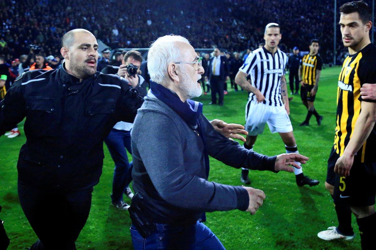Griekse voetbalcompetitie stilgelegd om gewapende eigenaar PAOK