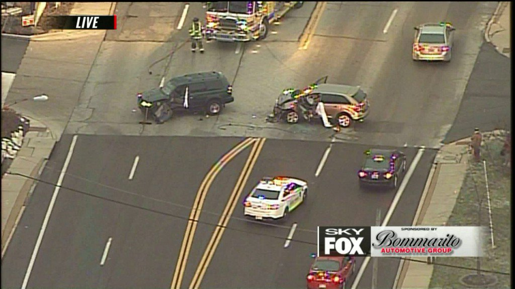 Two hurt in Laclede Station Roadaccident