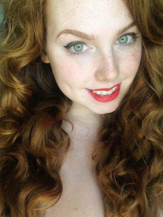 Red lips ? YWP7K2wJl6 NCk6xne5gS