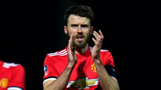Manchester United midfielder Carrick to retire at end of season
