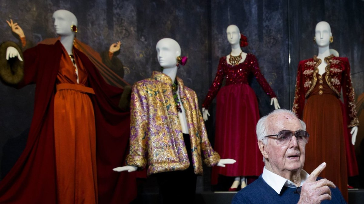 Fashion Designer Givenchy Dies At Age91