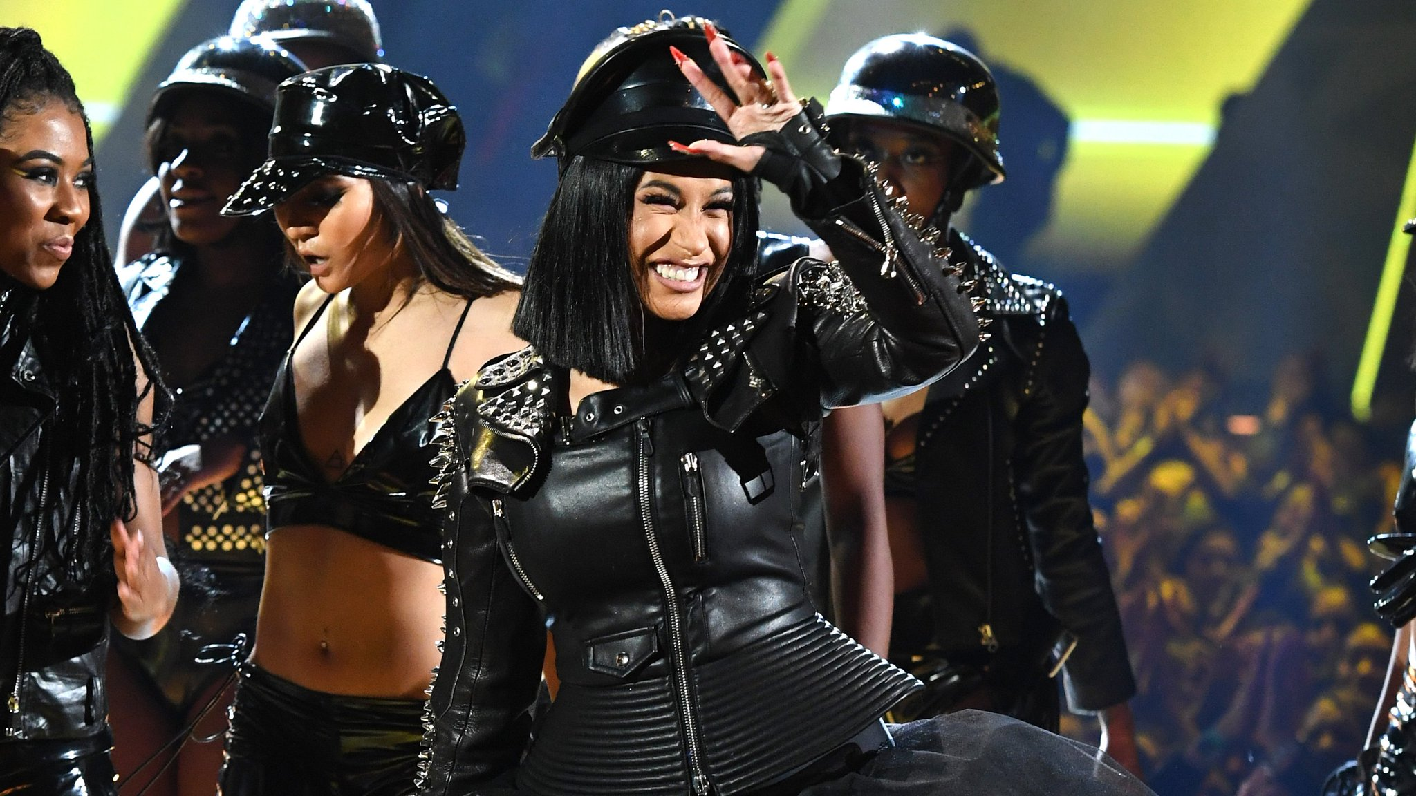 See Cardi B deliver a fierce hit song medley at the #iHeartAwards https://t.co/pBaA7P0Qmr https://t.co/QX25aS0kbF