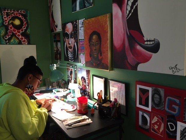 Birmingham artist using talent to raise money for breast cancer organization