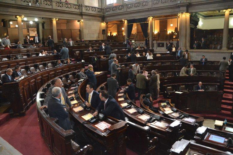 GT: 158 diputados que cuestan al menos Q64 millones; tenemos 101 diputados más que Costa Rica