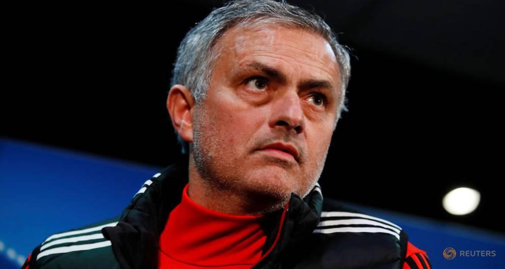 Mourinho hits back at De Boer over Rashford comments