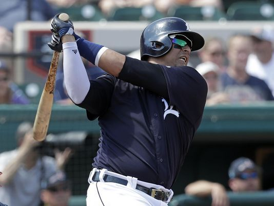 Henning: Victor Martinez seeks to re-prove himself on, off field