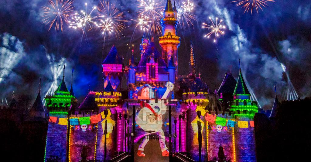 Get a First Look at the Nighttime Spectacular Coming to #PixarFest at @Disneyland: https://t.co/ddXtrb7AW2 https://t.co/Lj29ibVjMp