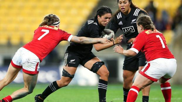 Debate flares on whether women's rugby should use a smaller ball than men's