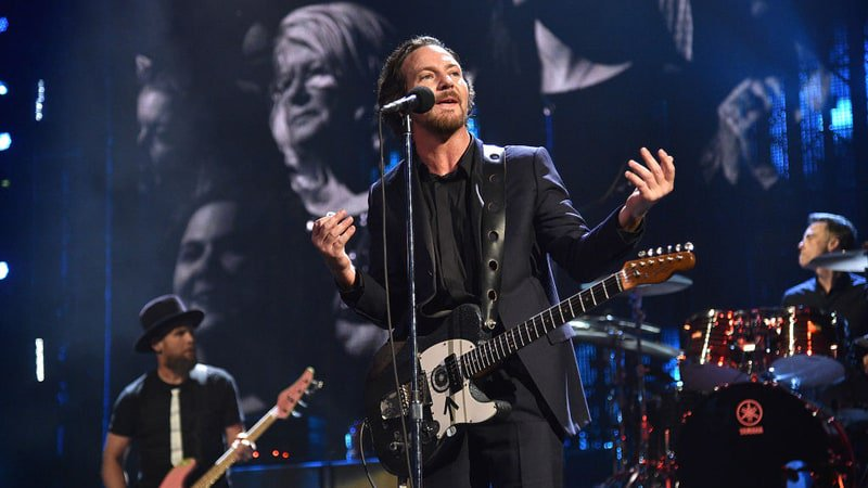 Hear Pearl Jam's snarling new song 'Can't Deny Me' https://t.co/9QuEYaskUi https://t.co/f2DblJGWmy