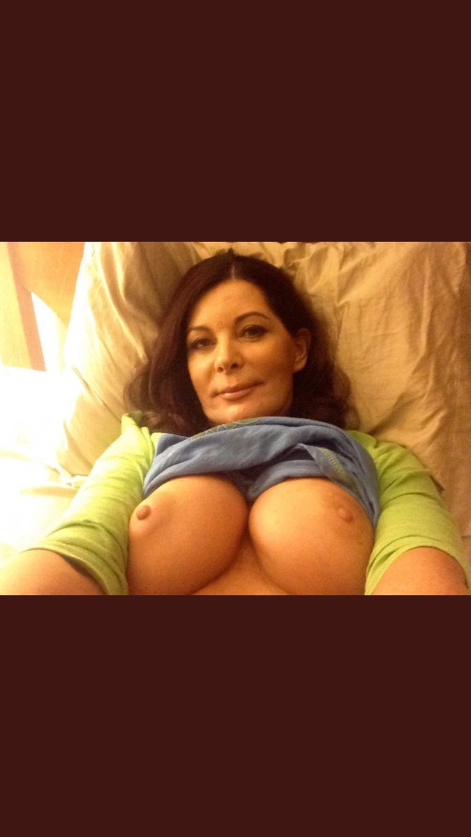 #TittyTuesday VOty8bXbIs