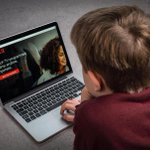 Netflix warning for parents over dangerous feature that trains kids to binge