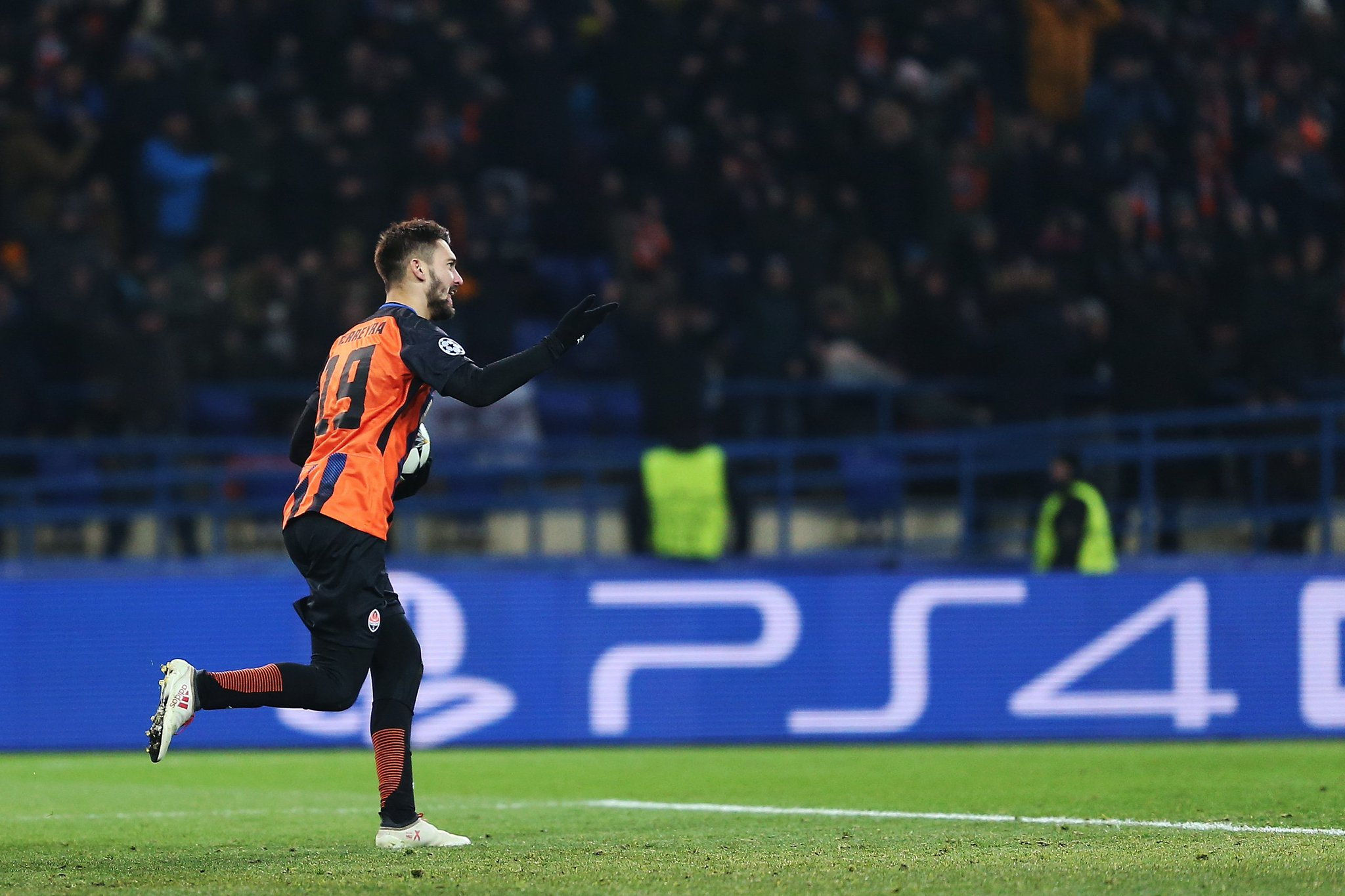 One to watch? ��  Facundo Ferreyra  has scored 16 goals in his last 16 games for Shakhtar. ������ #UCL https://t.co/S7aru1I9dr