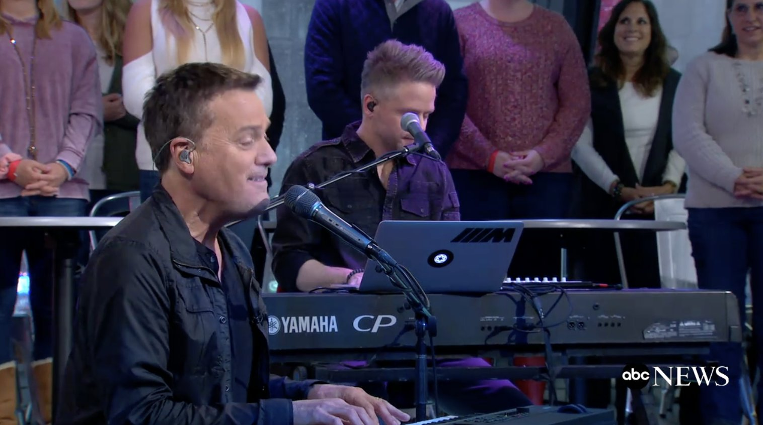 WEB EXCLUSIVE: @michaelwsmith gives a special live performance of 'A Million Lights' https://t.co/0hof4RpWqE https://t.co/YFgxQsyDpq