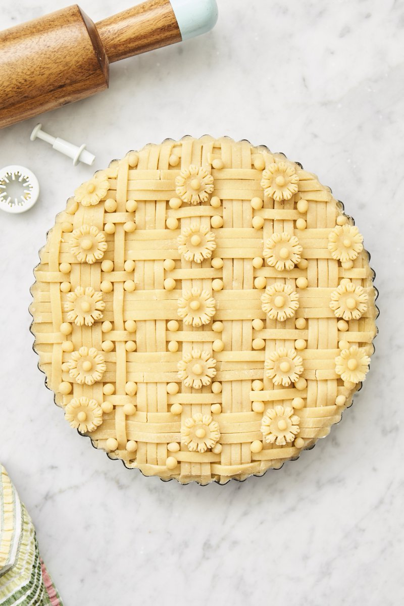 If the diameter of our pie is 30cm, who can work out the circumference? ???? #PiDay pie https://t.co/zkFbbWU3un https://t.co/PDxk1wZ6HE