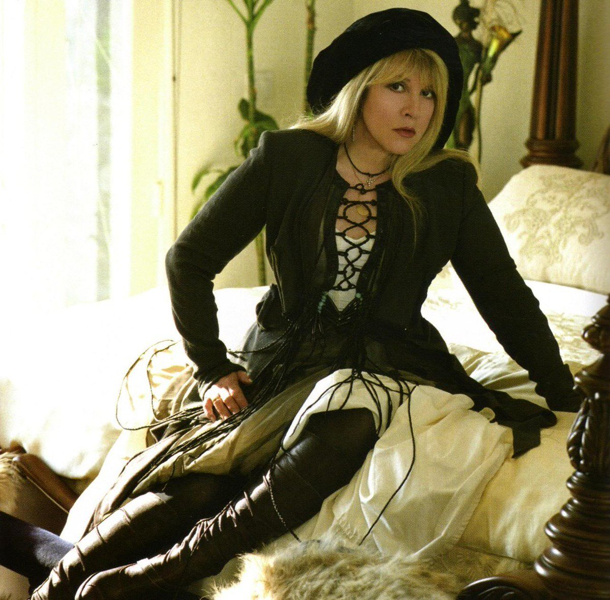 Stevie nicks 80s fashion 11