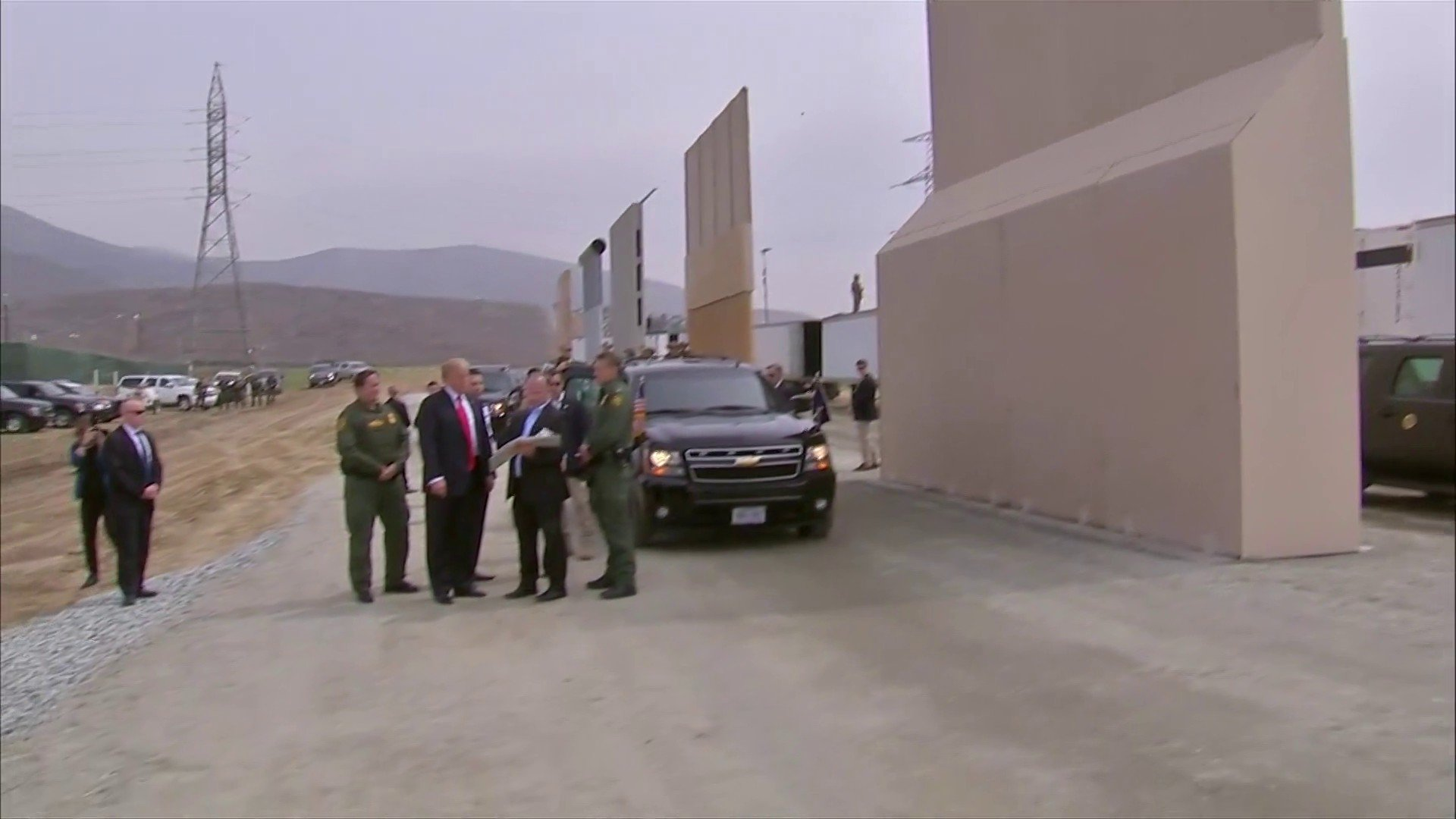 President Trump arrives to review border wall prototypes. https://t.co/iC8d4w5dIp https://t.co/W31h7xj6c8