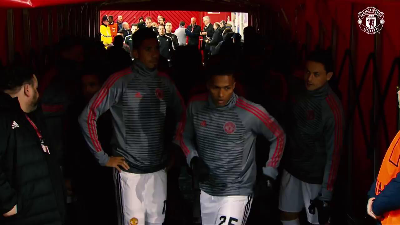 The lads getting ready for kick-off! ��  Watch the game live: https://t.co/tf1mBKa99x https://t.co/3ZcaB8hABu