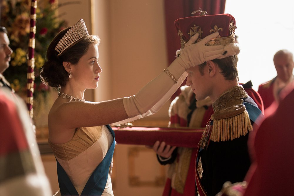 .@netflix paid Claire Foy less than Matt Smith on #TheCrown https://t.co/KjwJQspXNT https://t.co/JAxD0upwzB