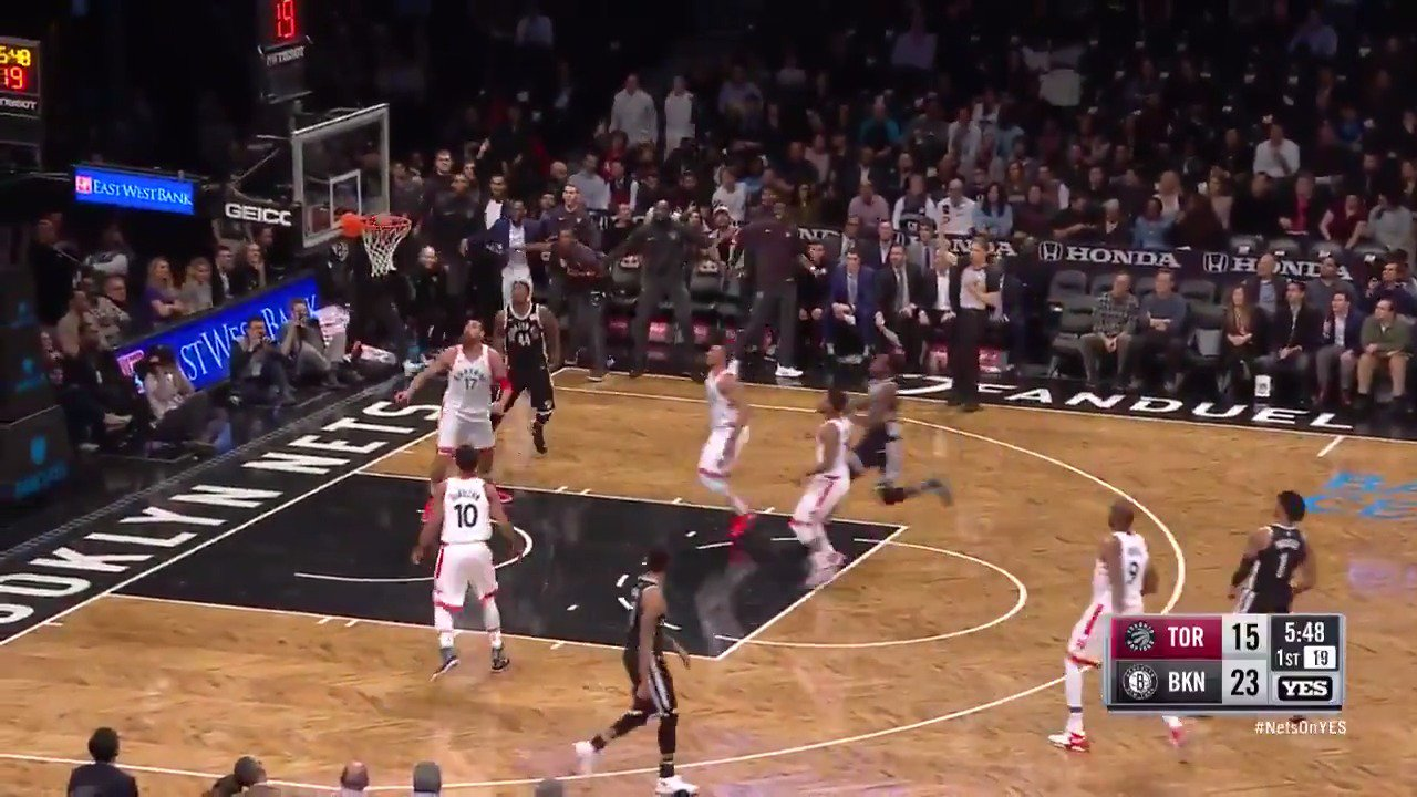 �� 7-8 from 3, 24 points in the 1st Q ��  D'Angelo is going ATOMIC right now! #WeGoHard https://t.co/AHGGPySFhe