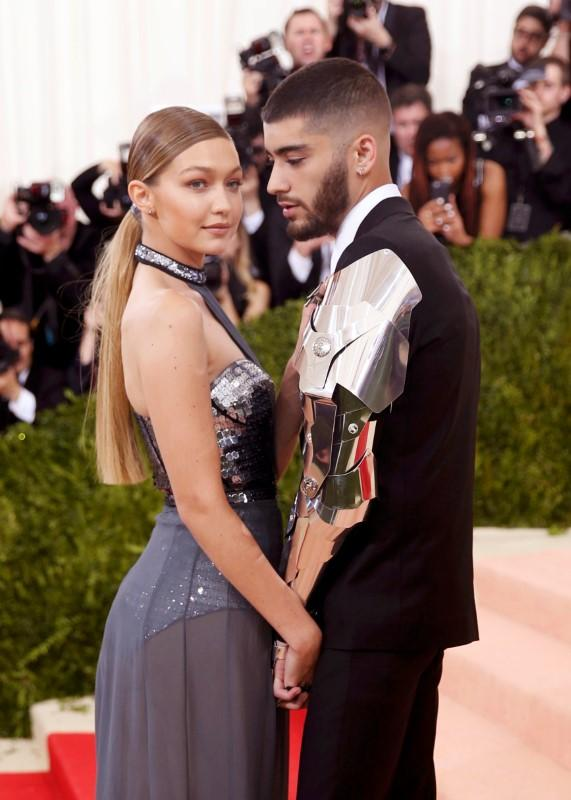 Gigi Hadid and Zayn Malik announce split in loving messages https://t.co/4Sr0px3QYT https://t.co/B6O9G4ovou