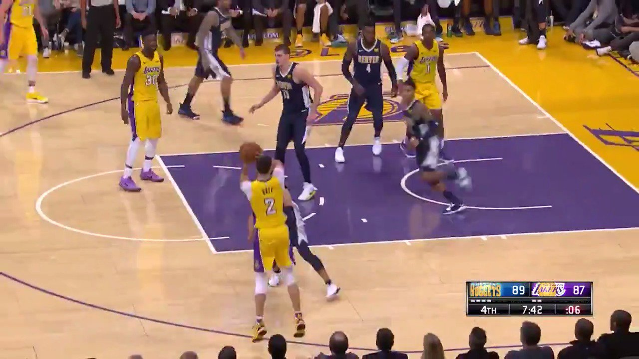 Lonzo to give LA the lead...GOT IT!  @Lakers 92 | @nuggets 89 with 6:50 left in Q4 on @NBATV.  #LakeShow https://t.co/QXPs9mz8Cp