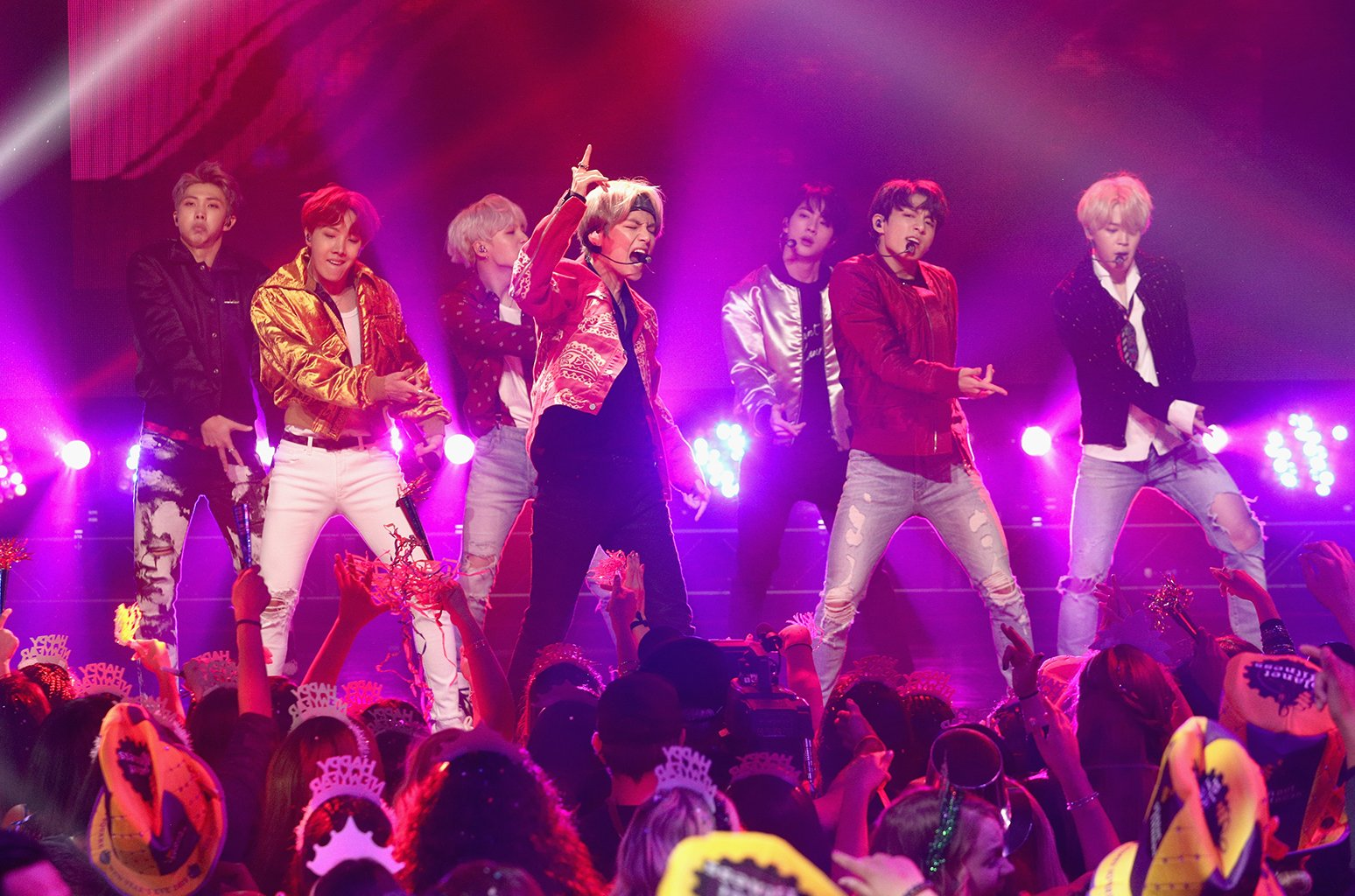 'BTS: Burn The Stage' is coming soon https://t.co/GqLkR987N5 https://t.co/V13tCnthWN