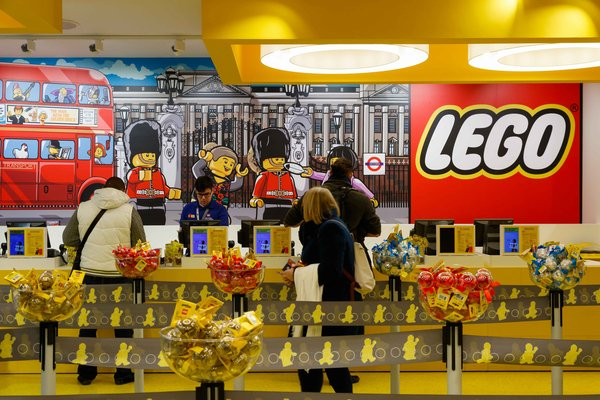 Lego voted strongest UK brand as Amazon falls out of running https://t.co/oPH8YNFf0F @LEGO_Group https://t.co/y5ZL7qRZwC