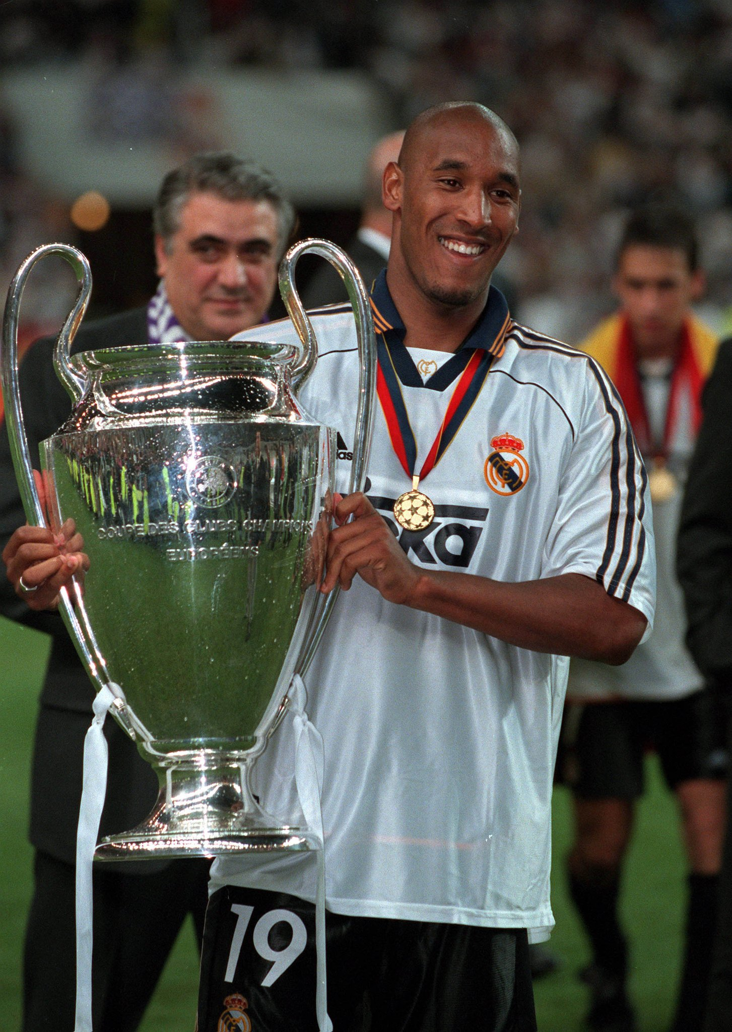 Happy birthday, former Real Madrid star & 2000 #UCL winner Nicolas Anelka!������ https://t.co/v9evnc8n1o