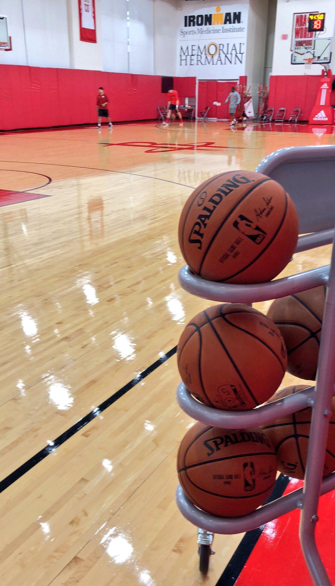 We're in Houston with the @HoustonRockets!   #Rockets #RocketsAllAccess https://t.co/XjW5hjU45u