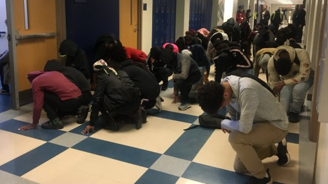 Students at Atlanta high school take a knee after being banned from joining national walkout https://t.co/kuF1visPfT https://t.co/OlDvMl09uQ