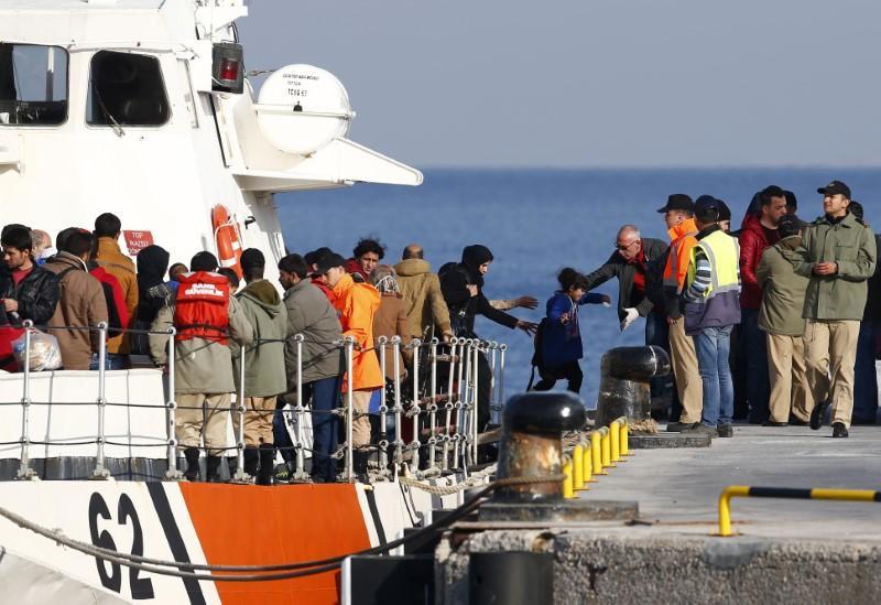 EU presses tough migration stance with more Turkey money, stricter visa rules https://t.co/Jx1RhloKqV https://t.co/29svzzVSBV